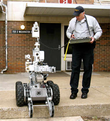 Bomb-disposal robot, X-ray machine will aid police