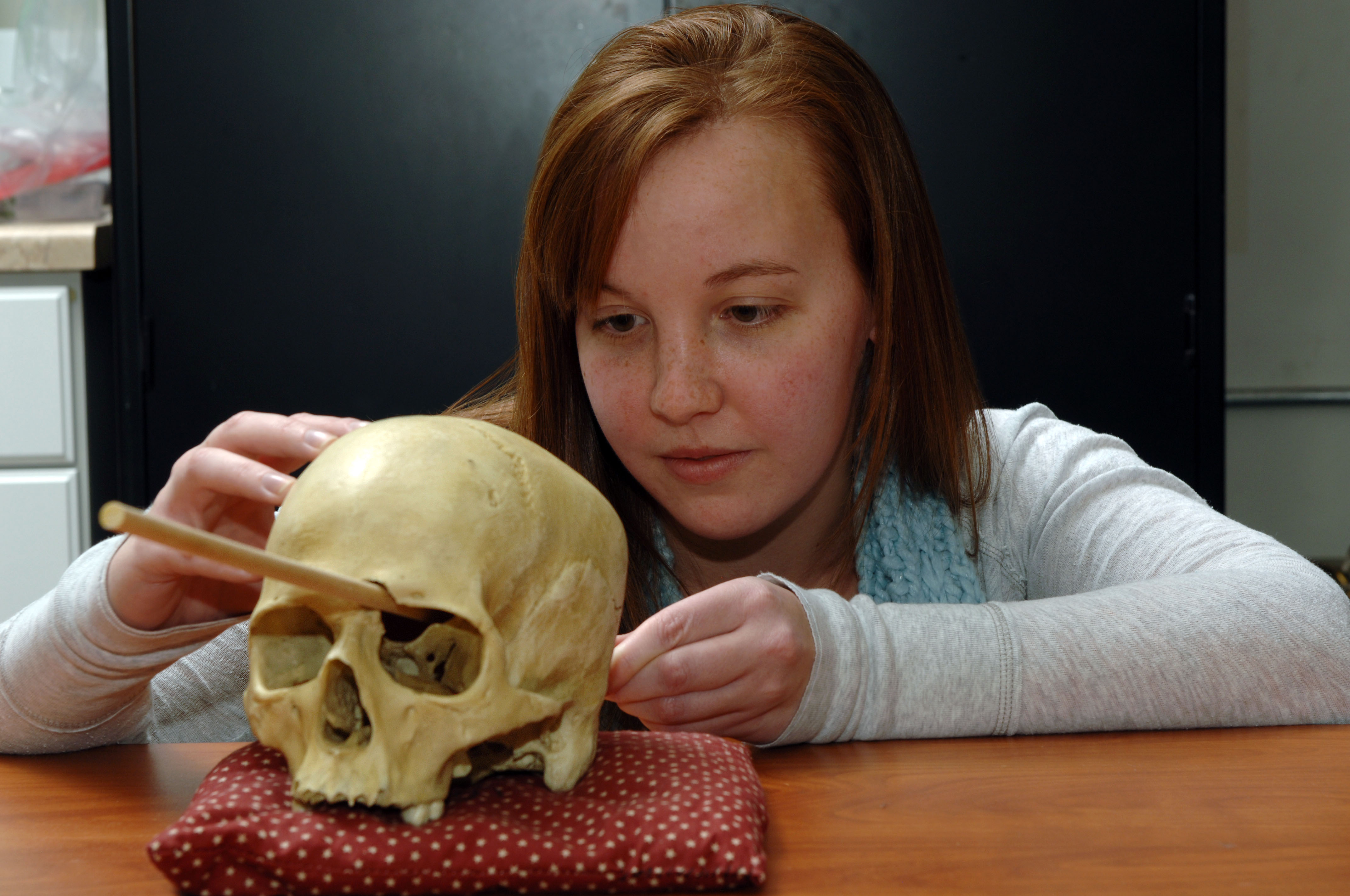 Forensic anthropologist gets to the bare bones