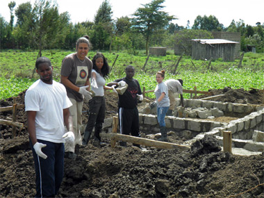 SIU students on a service-learning trip to Kenya